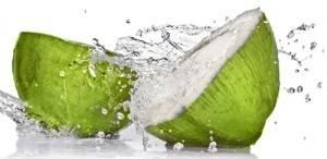 Nước dừa trị mụn, trắng da đơn giản hiệu quả