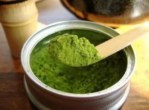Mách bạn cách làm mặt nạ trị mụn từ bột trà xanh vô cùng hiệu quả