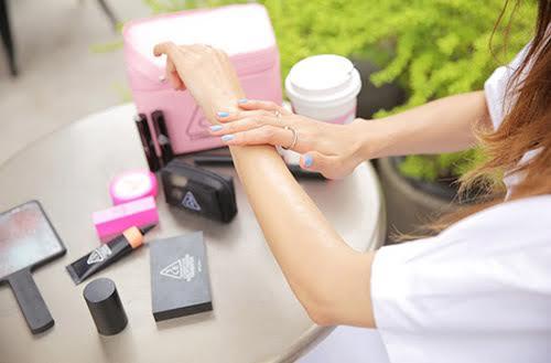 Dùng kem chống nắng không dúng cách khiến da bạn ngày càng  xấu đi