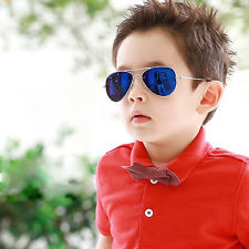 Chọn kính chống nắng cho con bạn