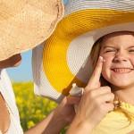 Có nên cho trẻ em dùng kem chống nắng thường xuyên?